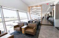 アメリカン航空、米・ダラス国際空港に新ラウンジ開設、着席スタイルのダイニングなど上級クラス向けで