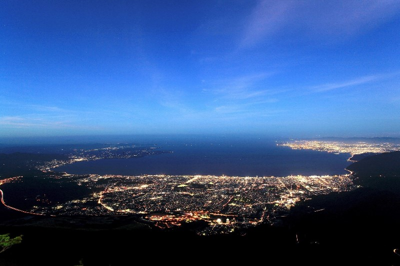 別府ロープウェイが夜間営業を実施、夏期限定で標高1300メートルから夜景と星空を楽しむ機会に