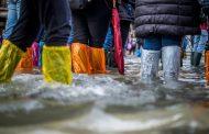 西日本豪雨から1年、外国人の7割が被災地訪問を「控えようと思わない」、一方で市場別では意識わかれる