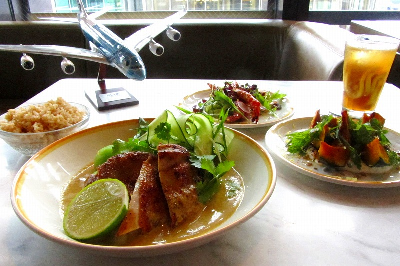 ANAと「bills」のコラボ機内食を地上レストランで、第2弾も日本国内全店舗で提供開始、ホノルル線の人気メニュー