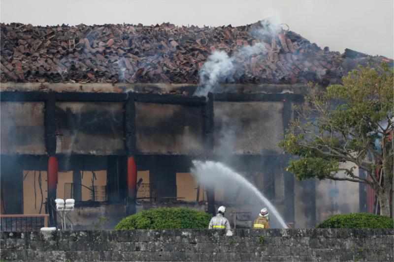 首里城火災で観光地が対応、修学旅行はトップシーズン、沖縄観光コンベンションビューローは緊急会議開催へ