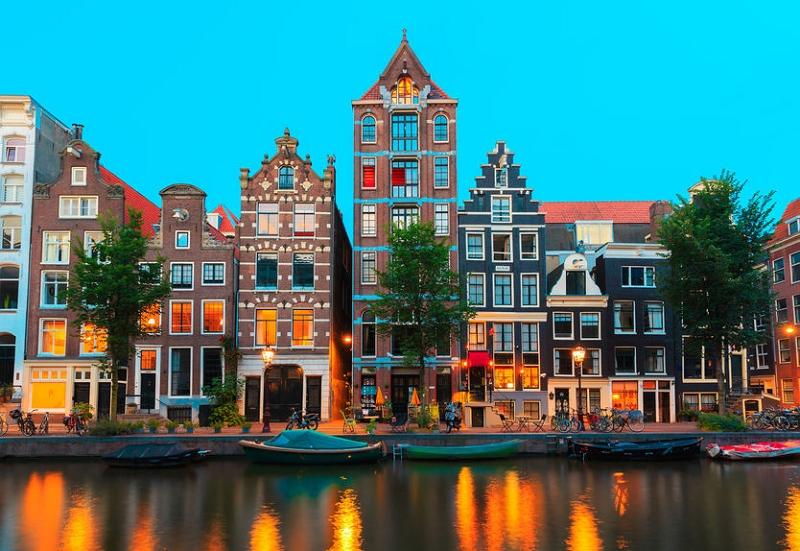 アムステルダム、歴史地区で民泊貸し出しを禁止に、今年7月1日から、地域住民からの高まる不満で