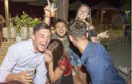 観光客の「過剰飲酒」に法規制、スペイン自治州で「観光公害」の対策、アルコール販売時間の制限など