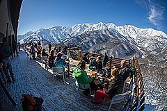 長野県白馬エリア、冬スキー以外の観光強化で「雪遊び客」が2倍に、岩岳で