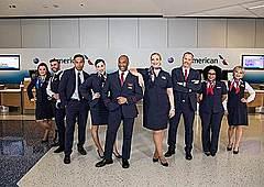アメリカン航空、新ユニフォームに刷新、新カラーは「アビエーション・ブルー」を採用