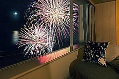 宮崎シーガイア、GW・夏休みに打上げ花火、混雑避けて客室から至近距離で