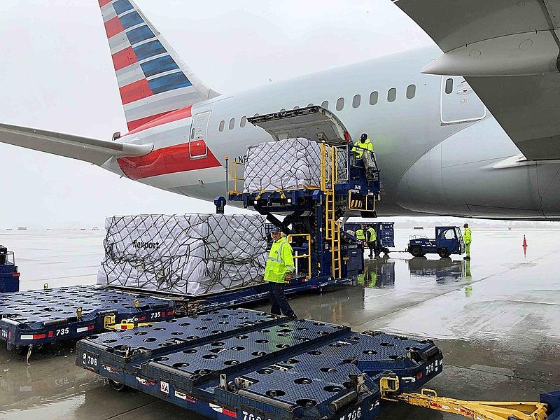 アメリカン航空とハイアット、医療従事者に無料往復航空券と3泊分の宿泊を進呈、コロナ禍終息後の休暇を支援