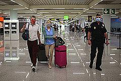 欧州各国で進む入国制限緩和、米国・アジアとの往来は道筋見えず、今夏は国内旅行中心か