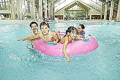 星野リゾートトマム、プール貸し切りプランを発表、家族だけで利用可能に