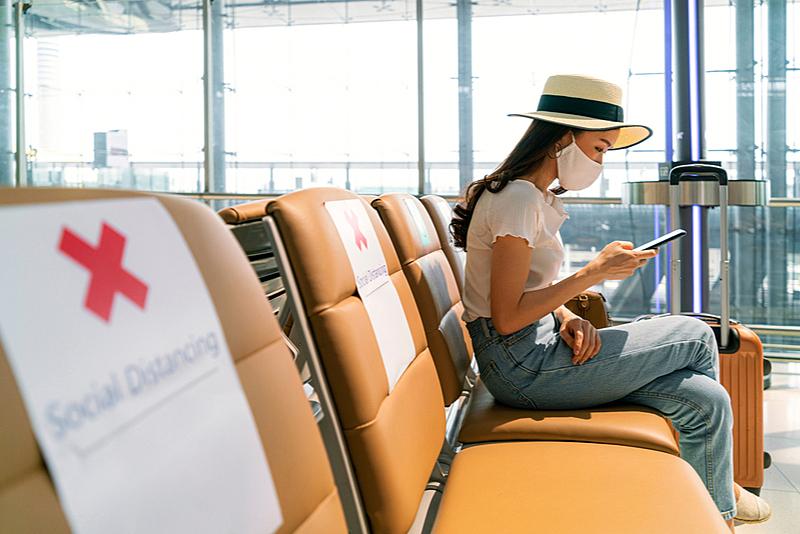 旅行実施の検討は政府・自治体の「要請に従って判断」が7割、旅行行動の変化は旅行頻度の高い人ほど高い結果に -日本交通公社調査