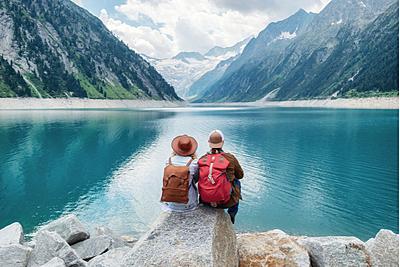 NEC、高齢者向けVRオンライン旅行サービスを提供、介護スタッフと旅行計画から旅行後の振り返りまで