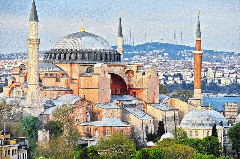 トルコの世界遺産「アヤソフィア」が改名、モスクへの回帰で入場料無料に、360度のバーチャルツアーも公開