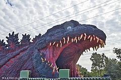 淡路島に120メートルの等身大ゴジラが登場、ジップラインやシューティングで世界観体験、パソナグループも運営で