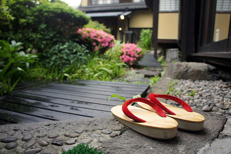 GoToトラベル、札幌市・大阪市の除外で旅行各社が対応、観光業者には旅行代金の35%補填へ
