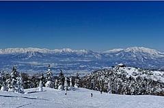 長野県・志賀高原がゲレンデ開業日の遅れ防止へ、最新鋭の除雪機導入、18年ぶりの新ゴンドラも