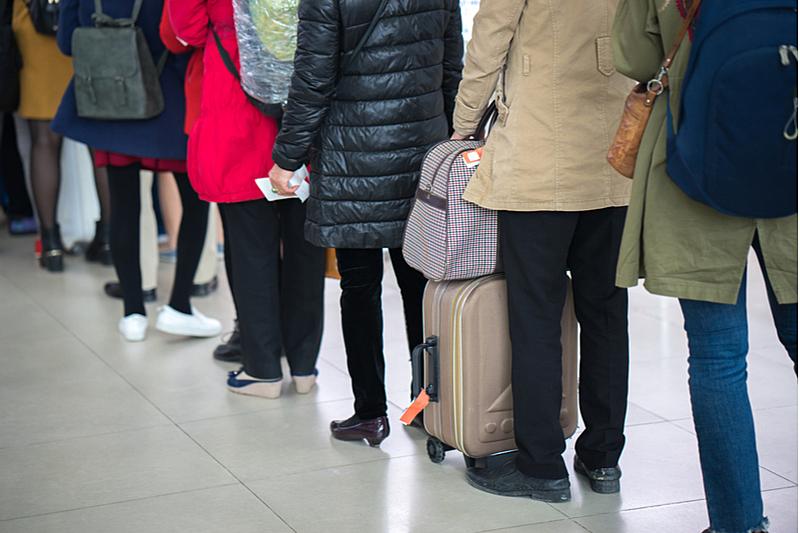 GoToトラベル、全国一斉停止で観光事業者には旅行代金の50%補償、資金繰り・雇用維持の相談体制の整備へ