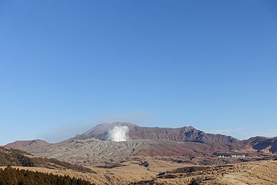 観光復興の最前線を支える観光ガイド、熊本県・阿蘇火山博物館が挑むガイド育成とデジタル化の取り組みを取材した