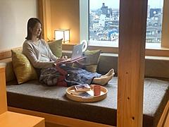 星野リゾート、「OMO」でテレワークプラン、テレビ会議用ライトや近隣店の出前サービス、1人1泊4500円から