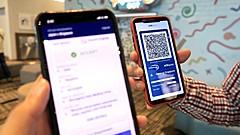 シンガポールで初のデジタル健康証明による入国、陰性証明書をQRコードで発行、ブロックチェーン技術の活用で