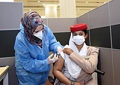 エミレーツ航空、客室乗務員やグループ従業員にワクチン接種を開始