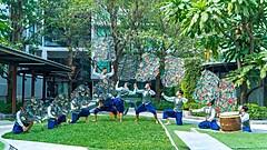 タイ、入国後の隔離者向けに気分転換の出張パフォーマンス、滞在ホテルで伝統芸能など