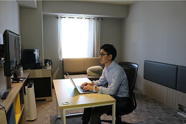 ホテル客室をオンライン会議ルームとして販売、面接や商談などの利用見込み、研修特化型ホテルが開始