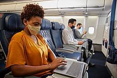 デルタ航空、動画も視聴できる高速Wi-Fiを導入、5月からA321でサービス開始、2022年末をめどに設置完了