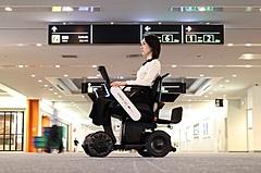 羽田空港、自動運転モビリティで待機場所から搭乗口まで、移動困難者に快適手段を提供開始