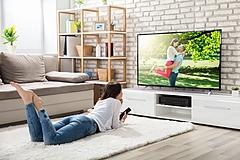 米国で旅行会社がテレビ広告で熱い戦い、「エクスペディア」や民泊「エアビー」など【外電】