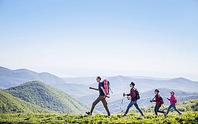 ナビタイム、屋外観光スポットの移動実態を分析、検索数や園内の徒歩移動の状況も