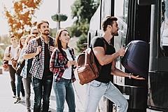 バスツアーの理想価格、コロナ対策徹底で許容できる値上げは「1000円まで」が最多、早朝予約や悪天候で値下げへの要望強く