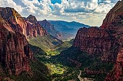 アメリカの国立公園で訪問者急増、オーバーツーリズム対策に着手、人流分散に必要なのはテクノロジーとキャンペーン【外電】