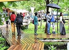 群馬県・上越線「土合駅」で朝市・夜市を開催、谷川岳周辺エリアでにぎわい創出、ヨガ体験や音楽演奏も