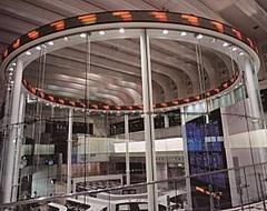 東京証券取引所をめぐるオンラインツアー、チッカー前からライブ中継、兜町周辺の渋沢栄一ゆかりの名所も